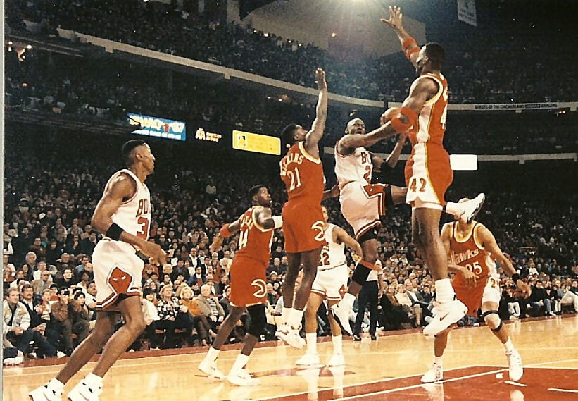 Atlanta try to block MJ's move