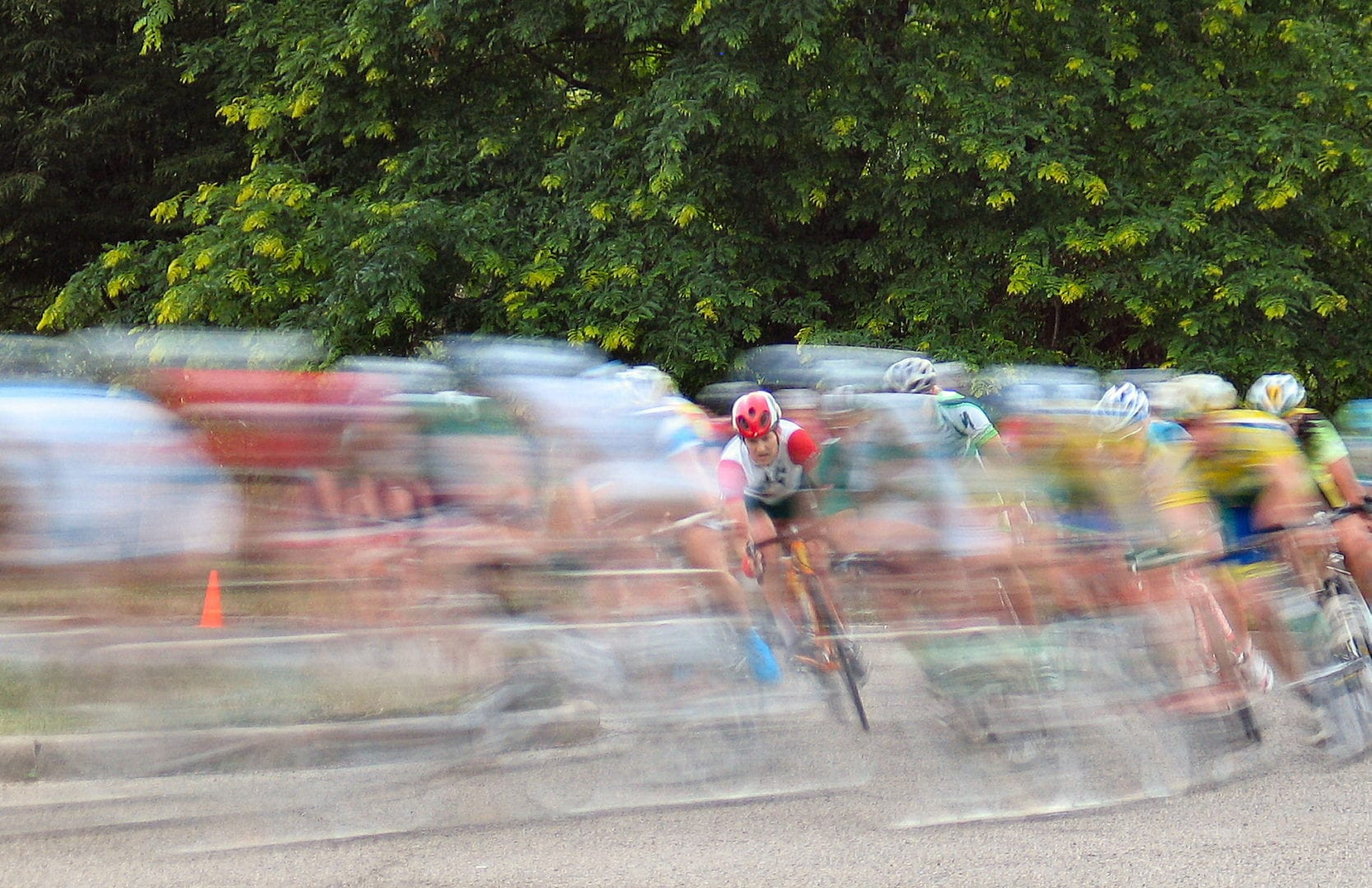A focused image on a lone cyclist