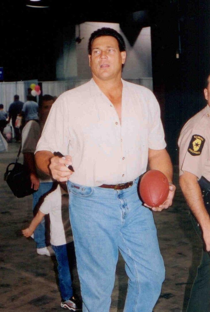 An image of Dan Hampton