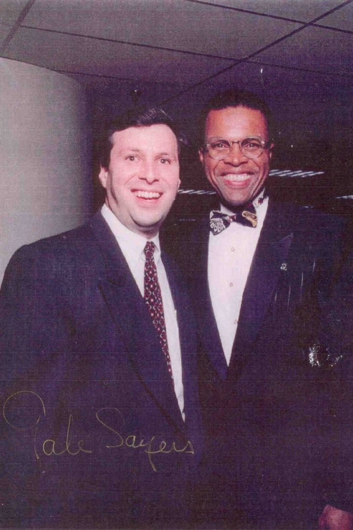 An autograph photo of Gale Sayers