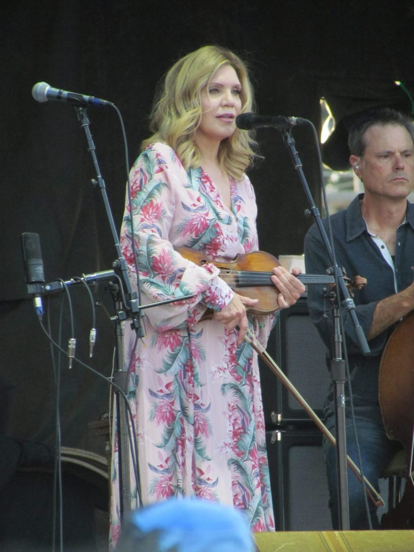 Alison Krauss talking at the microphone
