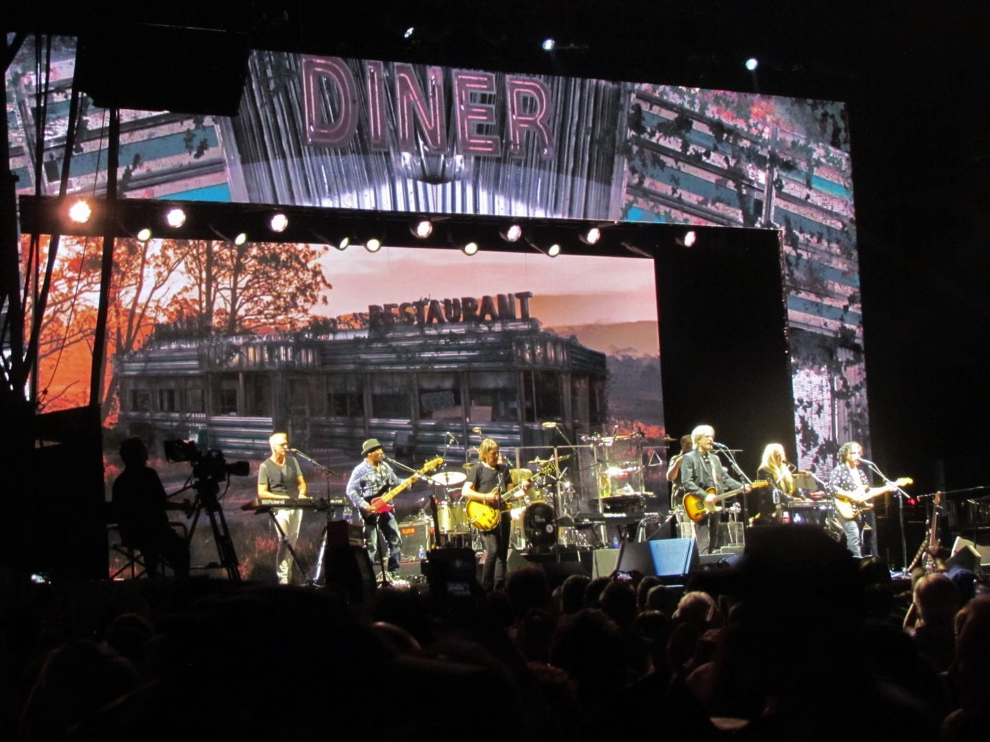 Hall Oates and his band