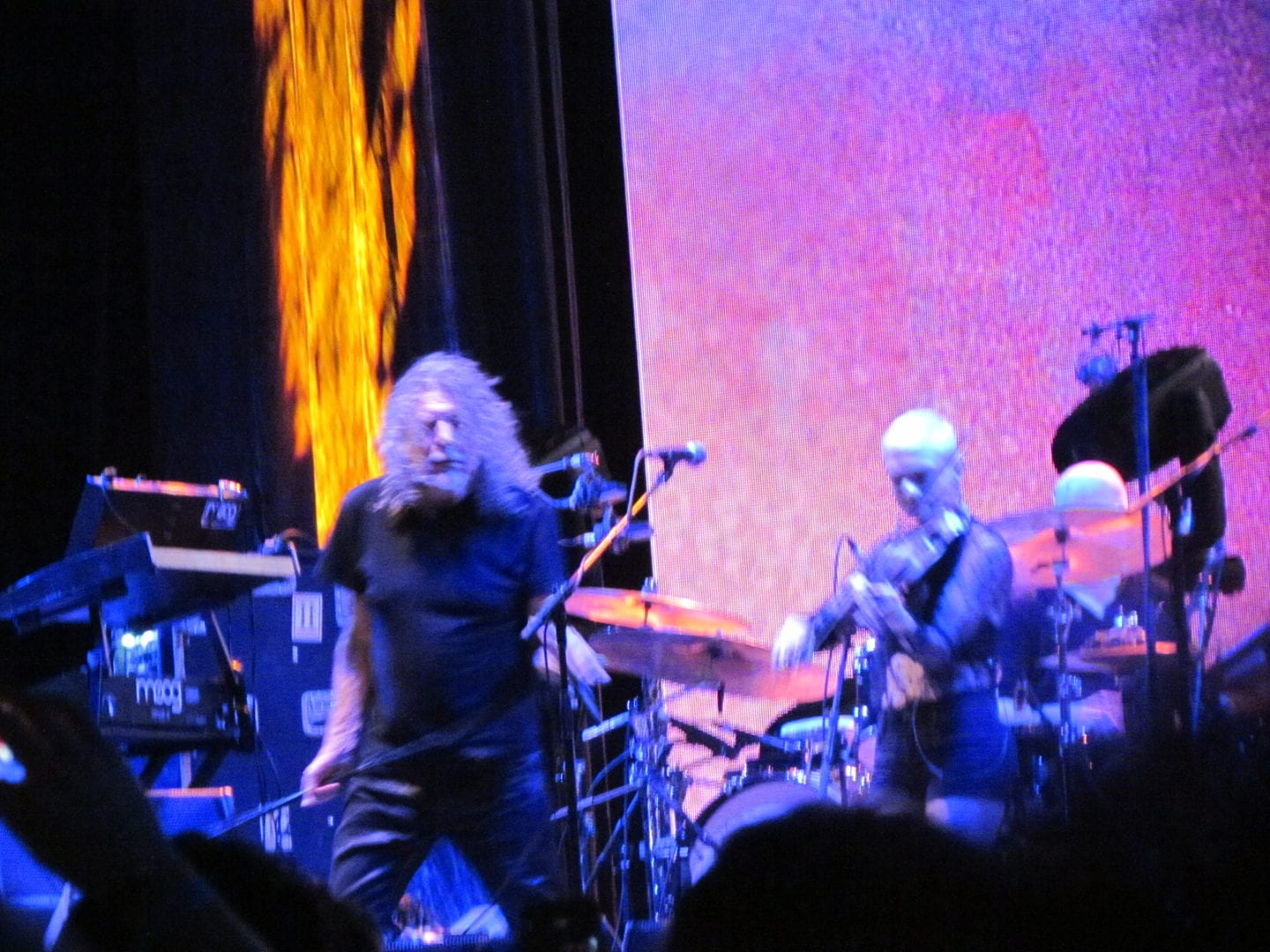 Robert Plant moving at the stage