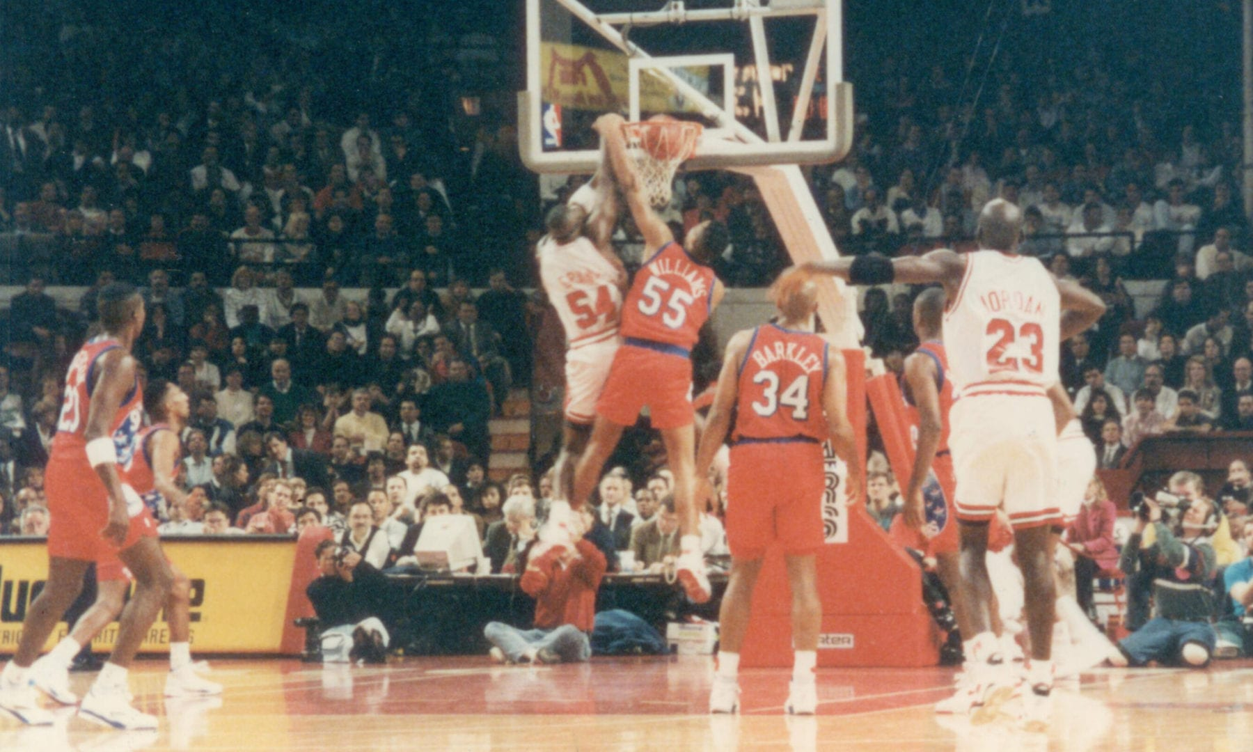 Horace Grant doing a dunk