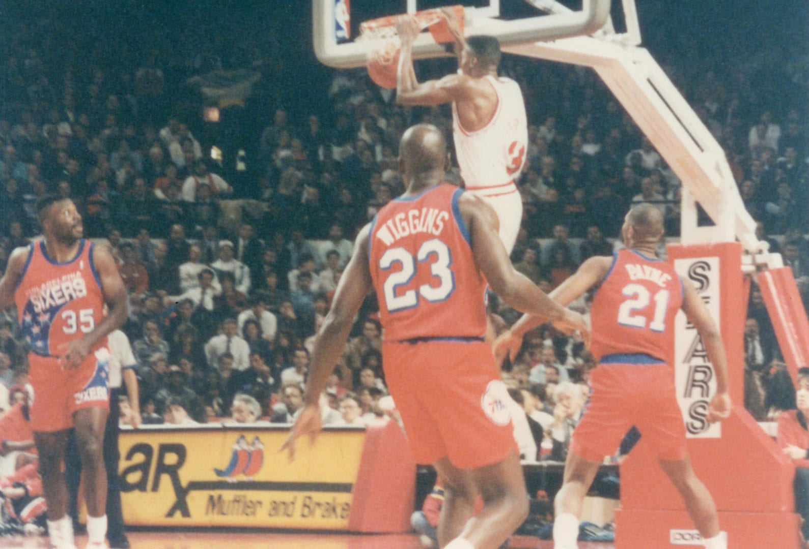 A dunk of Scottie Pippen
