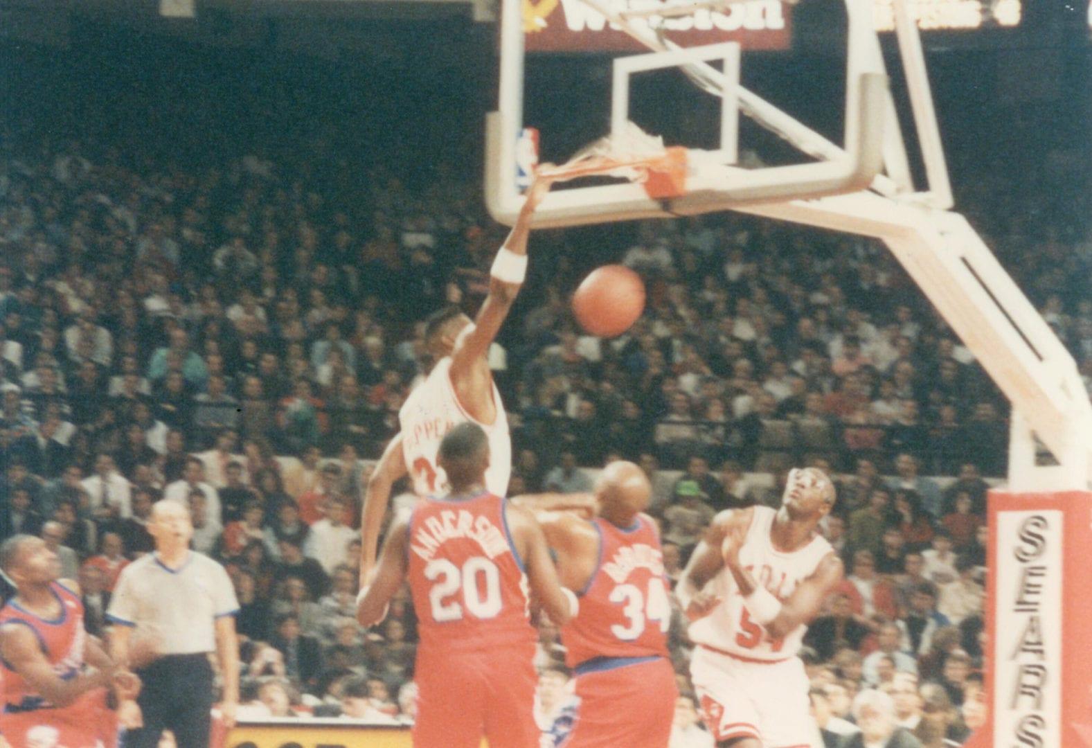 Scottie Pippen dunking