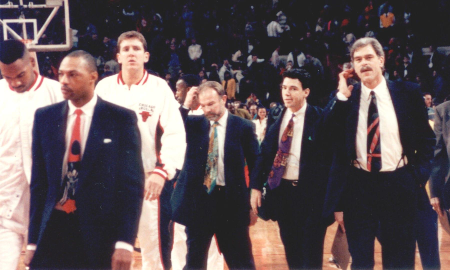 Atlanta Hawks and Bulls leaving court