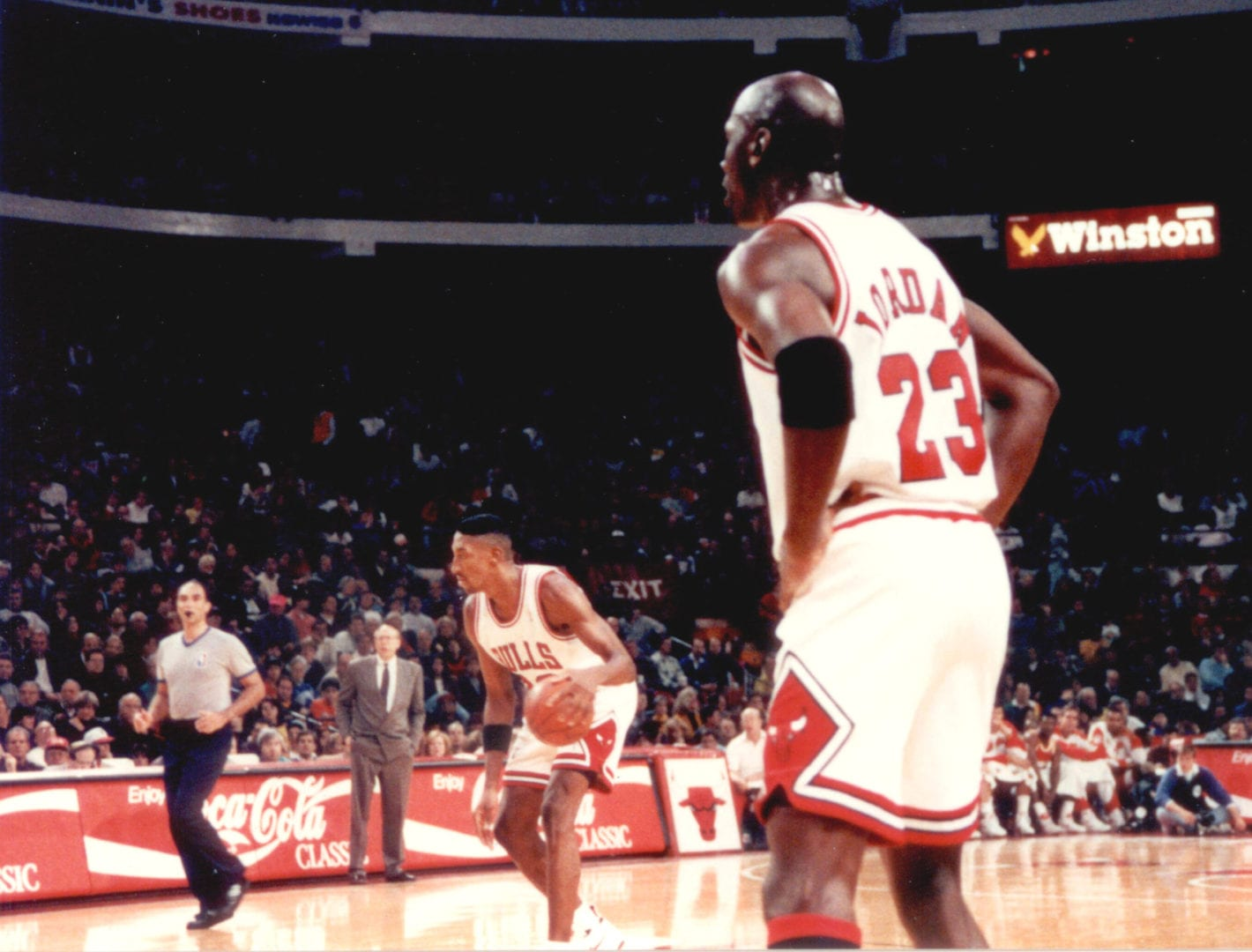 Scottie Pippen and Michael Jordan in the game