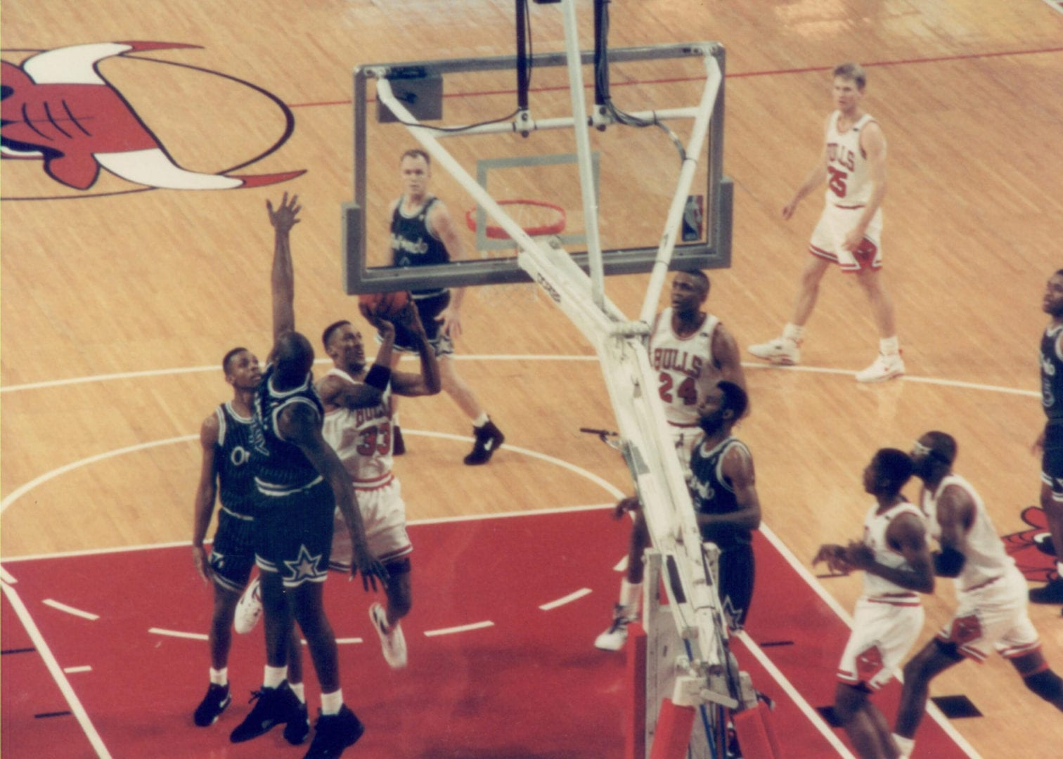 An image of Scottie Pippen jumping to the basket